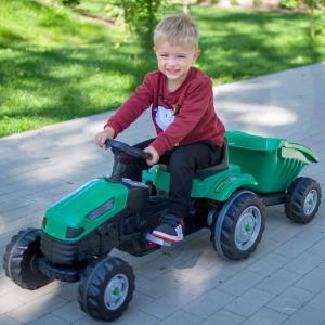 Traktorek MAXI od @woopie.toys zapewnia dzieciom niezapomnianą zabawę w farmę lub budowę. Dzięki przyczepce dziecko może pomagać rodzicom przy koszeniu ogródka, przewożąc skoszoną trawę! Przyczepka umożliwia również przewożenie piasku, czy patyczków, a dziecko może poczuć się jak prawdziwy farmer. 👩🌾Traktorek jest solidnie wykonany, wygodny, prowadzi się płynnie i komfortowo. A dzięki regulacji siedzenia traktorek można dostosować do wzrostu dziecka.🧒❤ 🥰#woopie #wopietoys #traktorek #przyczepka #traktor #dziecko #zabawa #zabawanatraktorze #wiosna #trawa #rodzic #pojazd #tractor #fun #happy #boy #brykacze #funny #kids #rolnik #odgrywanieról #farmer #budowa